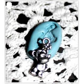 Moule en silicone breloque ourson et sa petite fleur 15mmmm