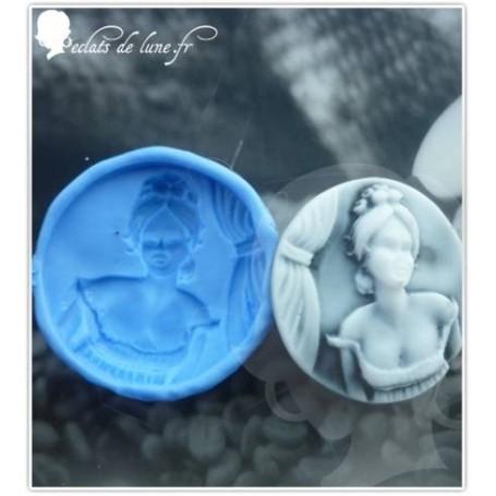 Moule en silicone camé femme rond 30 mm