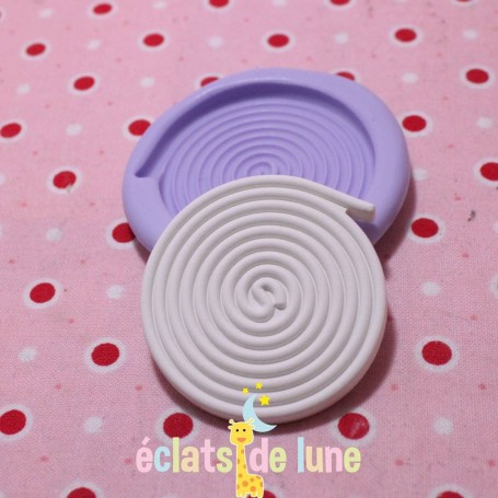 Moule en silicone bonbon réglisse 30mm